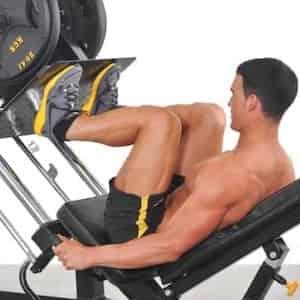 Esercizi per le gambe: le macchine